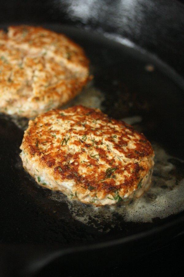Dill Salmon Burgers