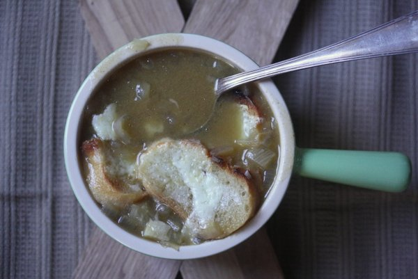 easy french onion soup recipe   one of the best french onion soup recipes