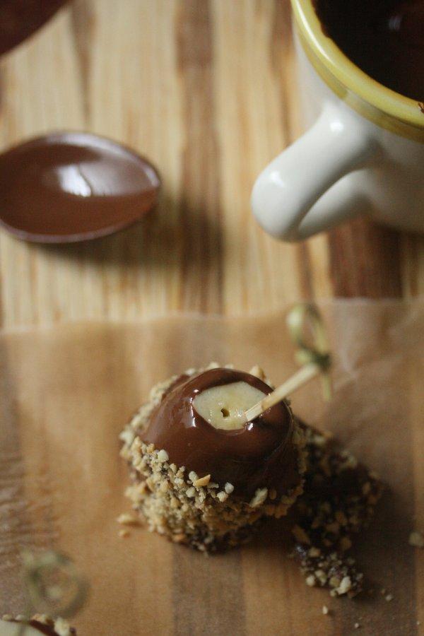 Chocolate-Covered Banana Pops