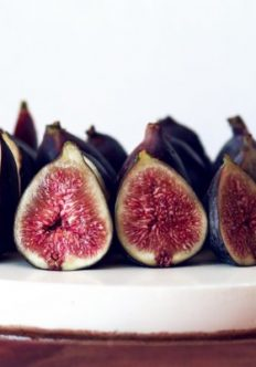 Gluten-Free Cheesecake Recipe with Fresh Figs and Honey