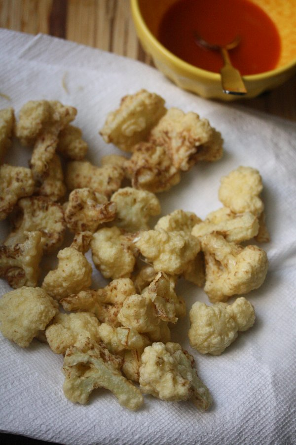 This recipe for Buffalo Cauliflower Poppers is a take on healthy buffalo cauliflower