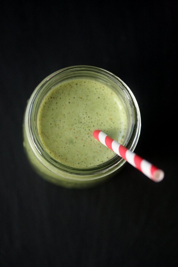 Green Giant Smoothie with Spinach, Banana, and Almond Butter