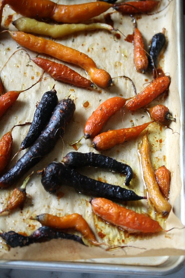 Sweet roasted carrots recipe cooked with honey and thyme. easy and delicious.