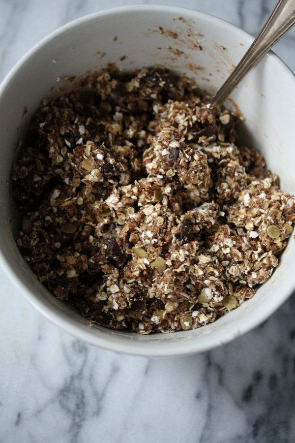 Super healthy dough for my raw oatmeal chocolate chip cookies - they come together like cake balls!