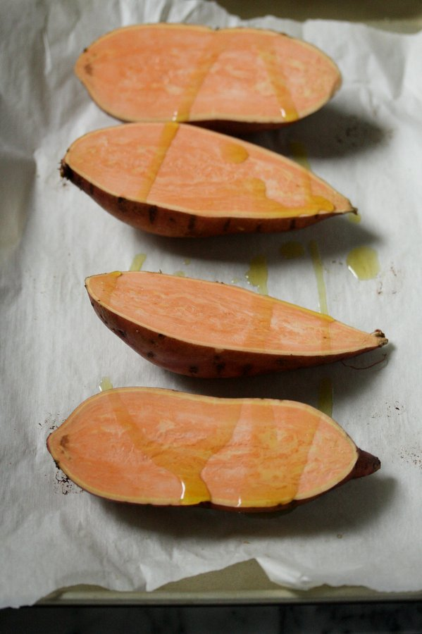 easy baked sweet potato recipe - cutting them in half makes this so much quicker!