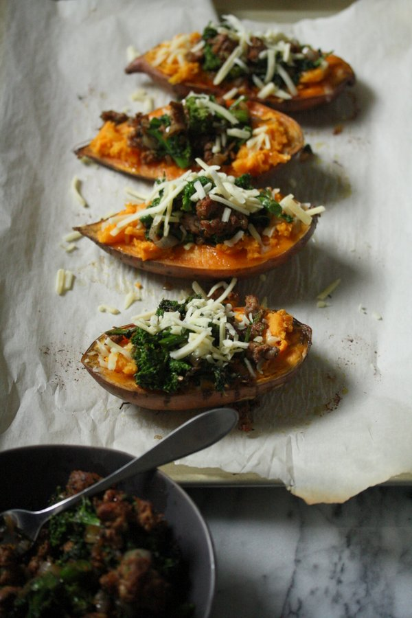 so many good vegetables in this roasted sweet potato recipe - so healthy and easy too!