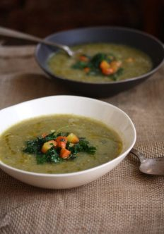 Vegetarian Split Pea Soup with Kale, Carrots and Curry