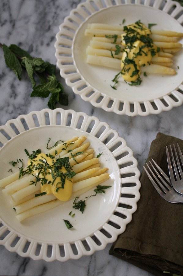 Easy White Asparagus Recipe with Dairy-Free Olive Oil Sabayon Sauce | Healthy Hollandaise Sauce