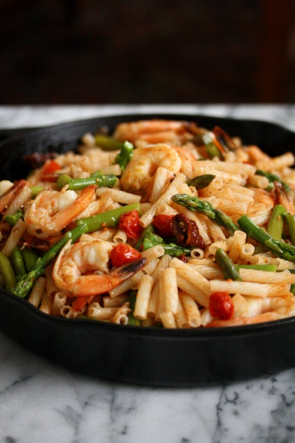 Easy Spicy Shrimp Pasta Salad Recipe with Asparagus, Cherry and Sundried Tomatoes | Gluten-Free Pasta Salad | Healthy Italian Seafood