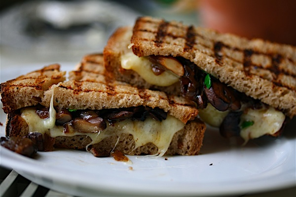Grilled Mushroom Cheddar Melts   Healthy Grilled Cheese Recipe