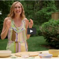 Video: How to Make Mango Salsa on Healthination