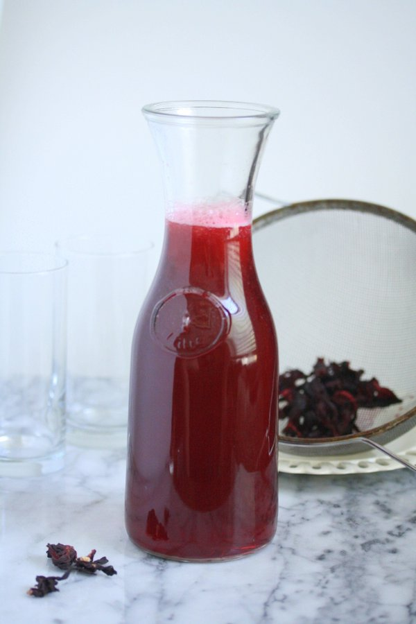 Iced Hibiscus Tea Recipe, Mixed with Lemon Juice - A Healthy Arnold Palmer Cocktail!