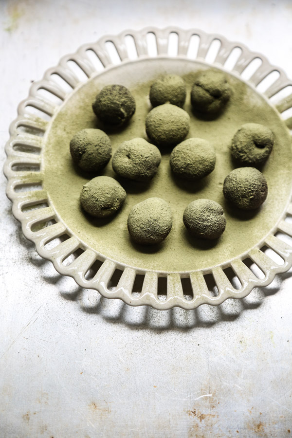 Gluten-Free Vegan Chocolate Truffles with Matcha Green Tea | Heathy Dark Chocolate Dessert Recipes