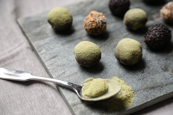 Vegan Chocolate Truffles Recipe with Matcha | Gluten-Fre, Organic, Raw | Green Tea Recipe |