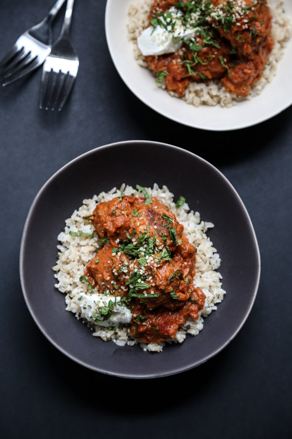 Easy Chicken Tikka Masala Meatballs - A Healthy Version of the Indian Classic | Cream and Gluten-Free | www.feedmephoebe.com