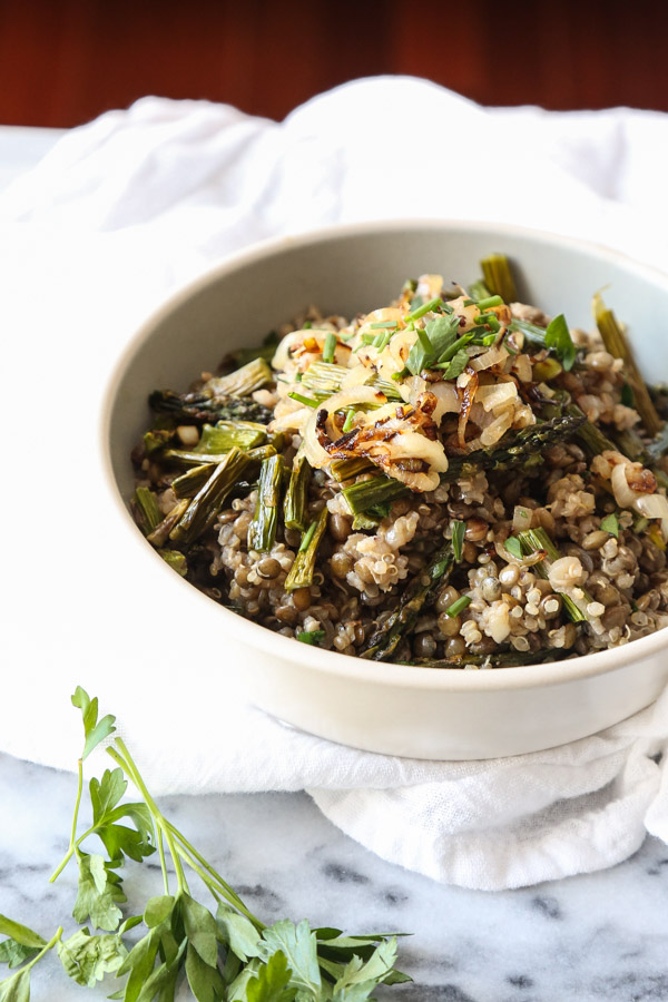 Spring Quinoa Mujadara Recipe with Asparagus | A Spin on an Authentic Lebanese Lentil Recipe | Easy, Healthy, Gluten-Free | www.feedmephoebe.com