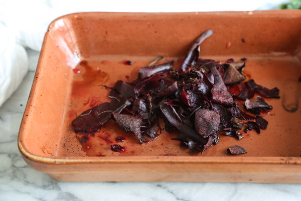 5-Ingredient Za'atar Roasted Beet Toasts | A Quick and Easy Roasted Beet Recipe | www.feedmephoebe.com