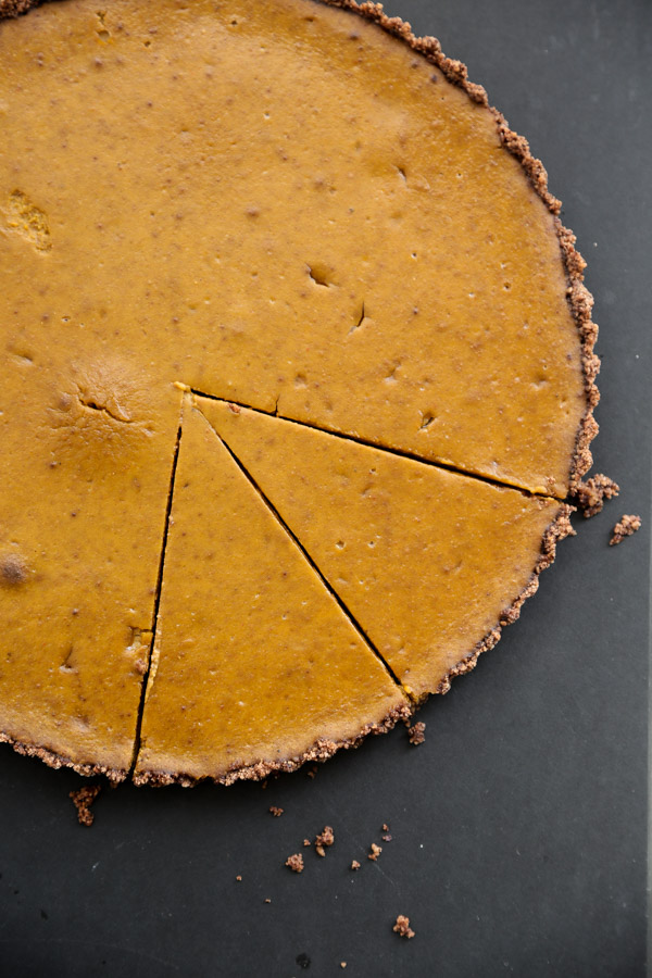 gluten-free-pumpkin-tart-chocolate-almond-crust-6