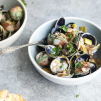 Rosé Steamed Clams with Leeks