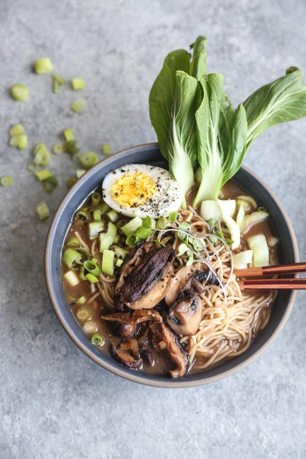 Vegetarian Ramen Recipe with Mushrooms, Bok Choy and a Vegan Broth | Japanese-Stye Gluten-Free Ramen Noodles | Easy, Healthy, Quick