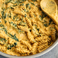 Pumpkin Mac and Cheese with Kale (Gluten-Free, Vegan)