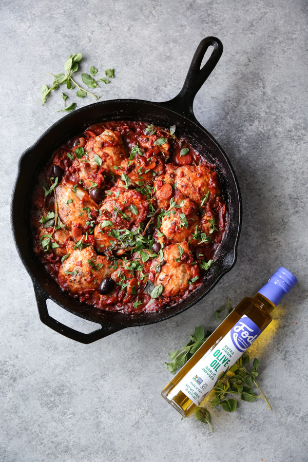 chicken cacciatore in a skillet with fody foods low fodmap garlic-infused oil