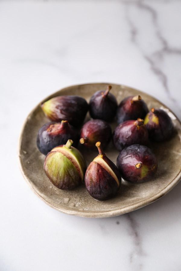 fresh cut figs on a plate